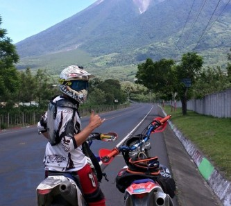 moto-tours-guate-dirt-river-1