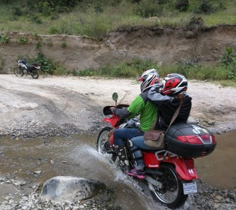 moto-tours-guate-dirt-river-5